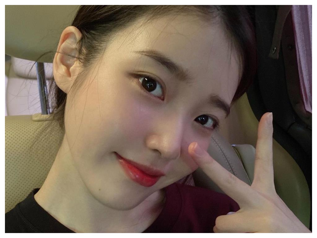 IU美貌10年不變!引韓網熱議 曝關鍵「5大技巧」牛奶肌這樣來