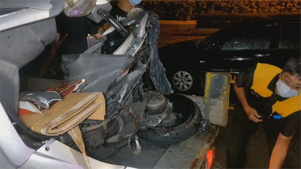 休旅車擦撞國道護欄 駕駛墜7米深引道亡!熊貓外送女大雨趕單 遭賓士撞飛送醫不治