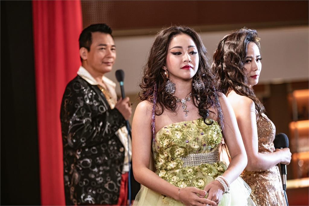 賴慧如挑戰秀場動感女星!在 《黃金歲月》以偶像夏奇拉為模仿學習對象!
