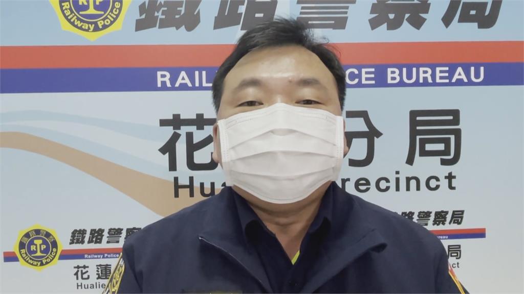 疑貪圖方便走軌道旁 8旬老翁遭火車擦撞骨折