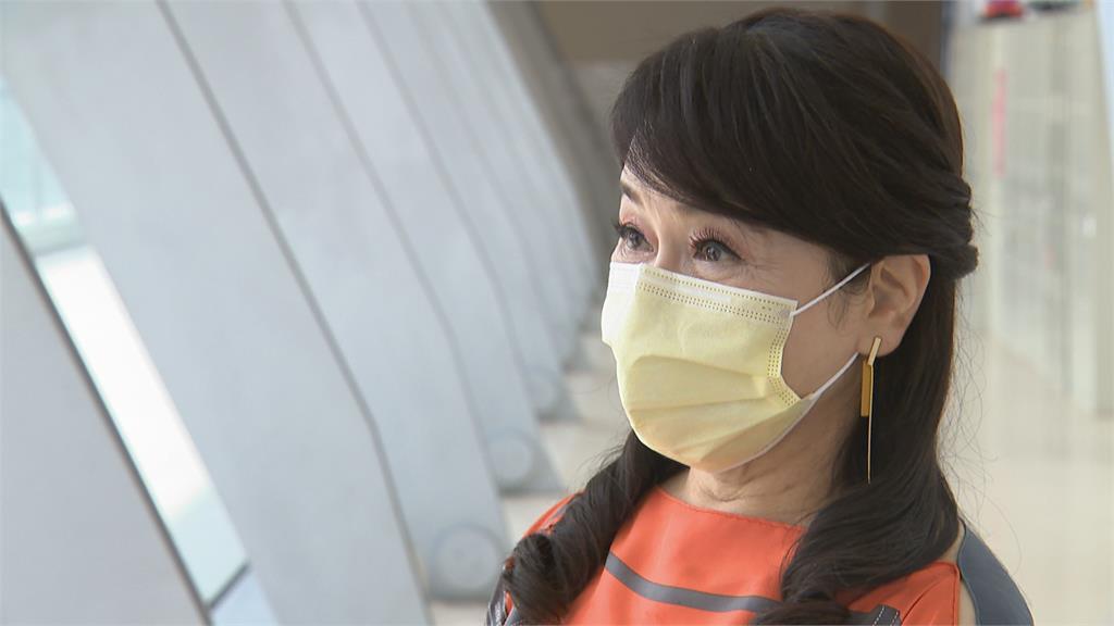連戰夫婦打疫苗了!醫院證實曝原因 周玉蔻怒嗆:被抓包才認了