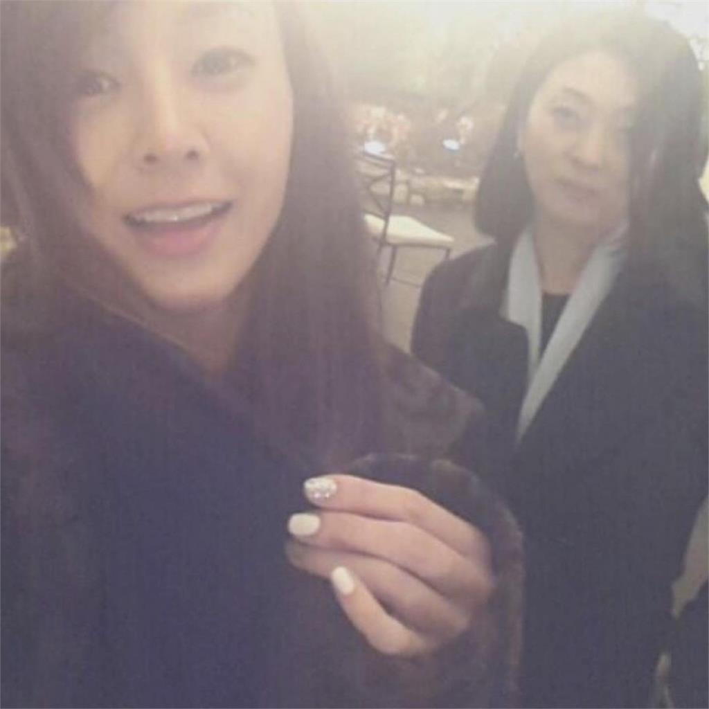 韓九頭身女歌手昔捲賣淫風波 近況曝光感謝母「沒有放棄她」