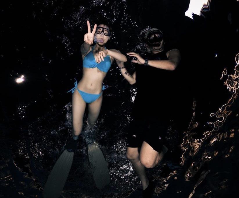 「熊熊」改當美人魚?比基尼學潛水辣翻77萬粉絲 網喊:可以一起游嗎?