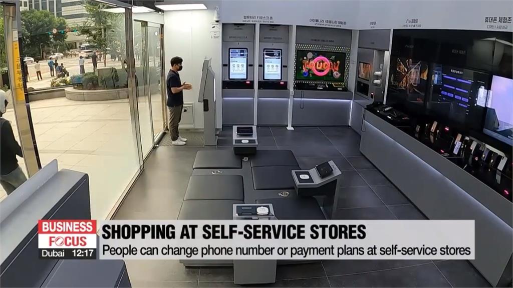 跟嘮叨業務說再見! 南韓車商採「機器人看車」服務