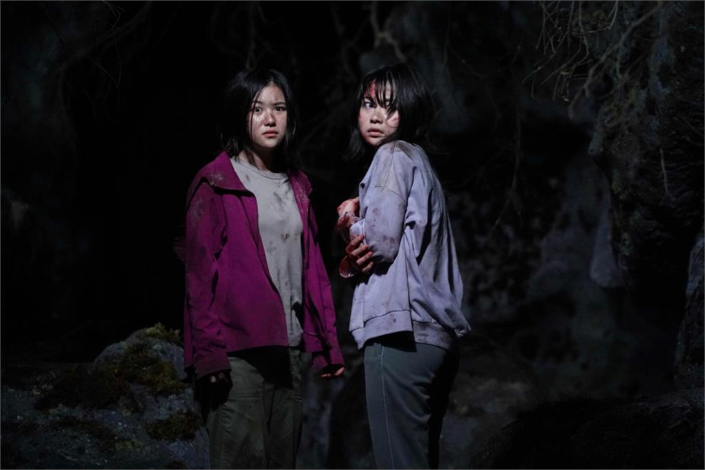 「最強童顏女神」安達祐實克服恐懼《樹海村》扮兩姊妹的媽!