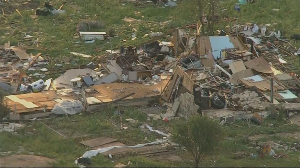 龍捲風橫掃美國東南部 房子車輛被捲走!災民習以為常