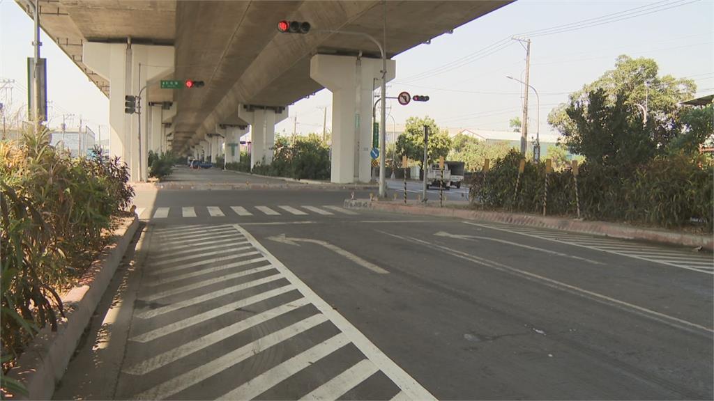 2騎士深夜撞人行道 PO網批標示不清害摔