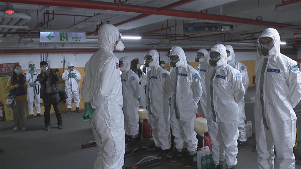 不只在戰場 抗疫生化的日常.... 專業化學兵堪稱無「疫」不與