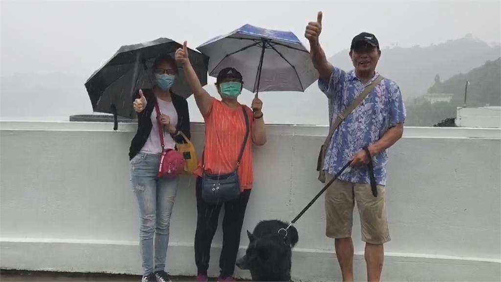 華南雲系東移 山區熱對流助攻成功了!曾文水庫近中午飄雨稍解渴