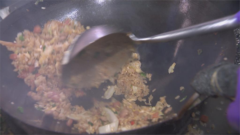 台北這間店炒飯有216種口味...菜單看到眼花 網崩潰:選擇障礙啦!