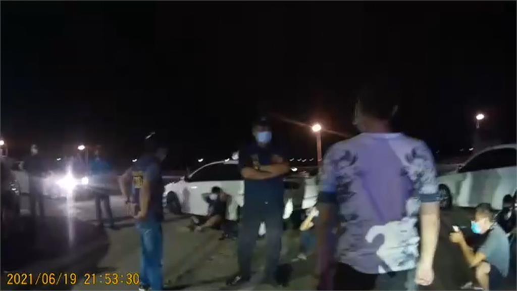澎湖10多人宮廟前群聚滋事 3警到場憂「寡不敵眾」對空鳴槍