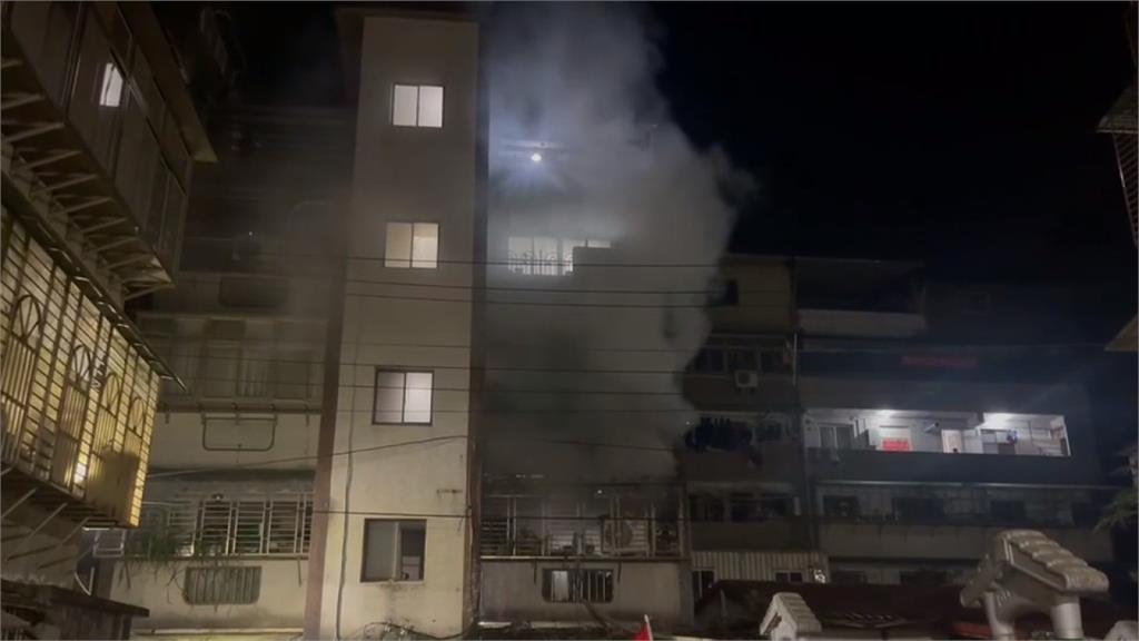 疑電視電線走火爆炸 基隆民宅頓時陷火海