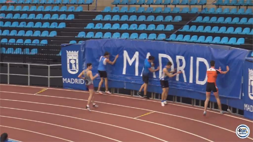 西班牙短跑比賽 男選手衝線後「消失」