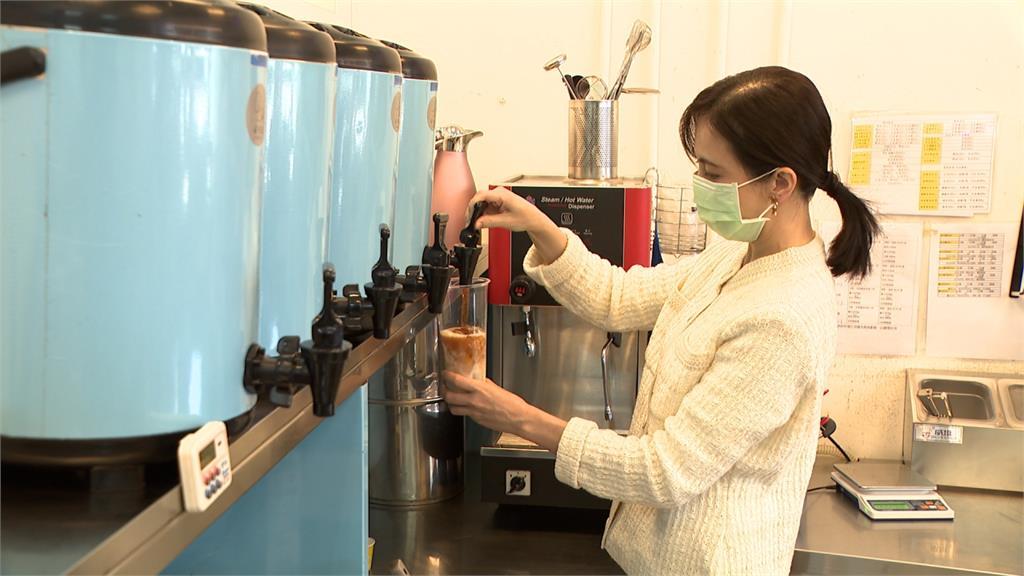 簡沛恩成功轉戰茶飲市場 比例調配樣樣精通