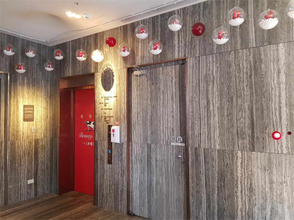 「牛乳石鹼」聯手泡泡飯店!入住送紅盒皂享全新體驗