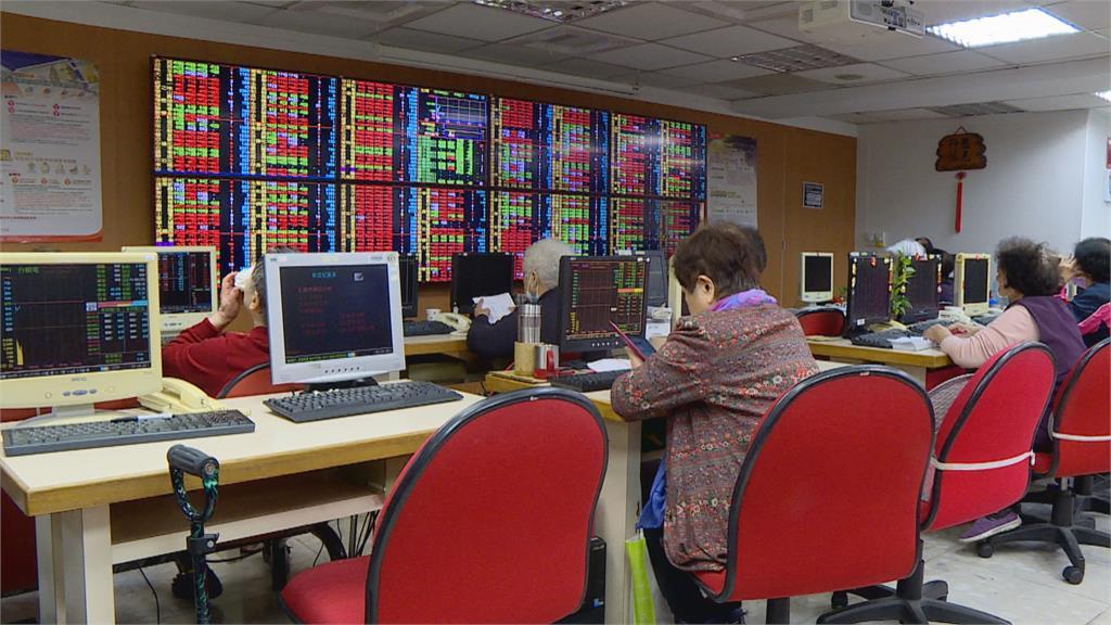 股匯齊跌! 台股跌134點守萬六 新台幣貶0.8分