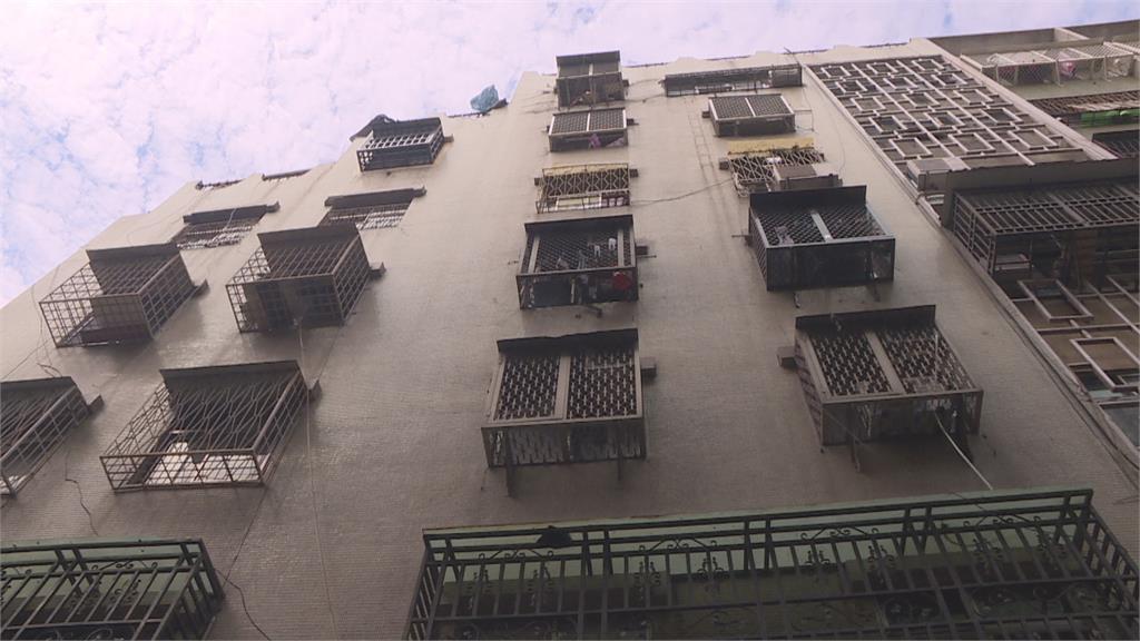 鵝肉名店質疑施工報價高反對裝新水塔 住戶為裝水塔互槓 停水期間無水用叫苦連天