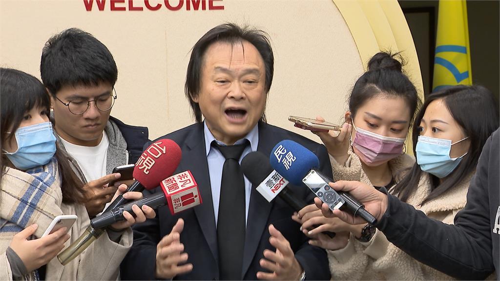 2300萬台灣人打完才會打!王世堅:政治人物最沒資格打疫苗