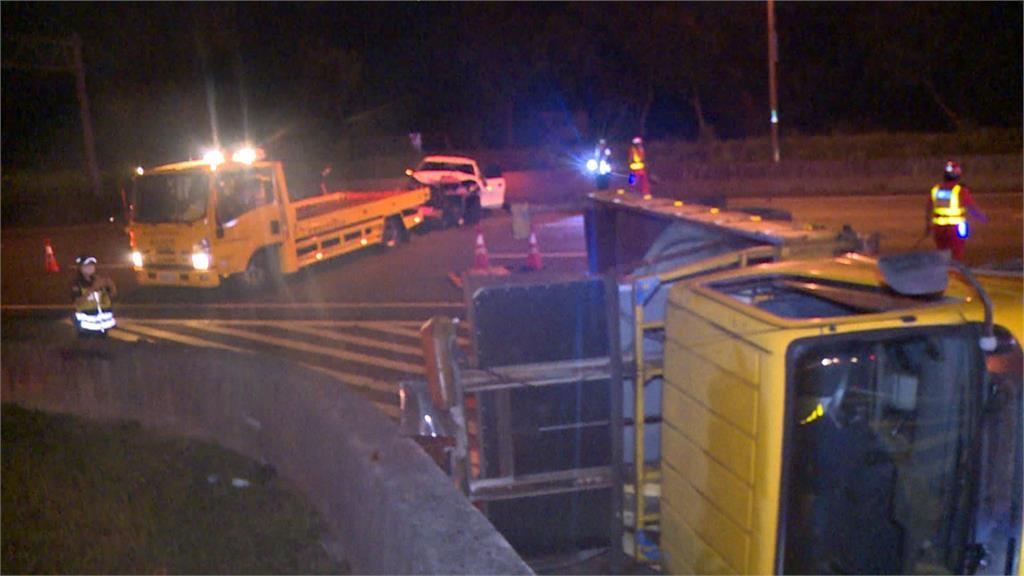 國道轎車追撞工程警戒車 幸無釀嚴重傷亡