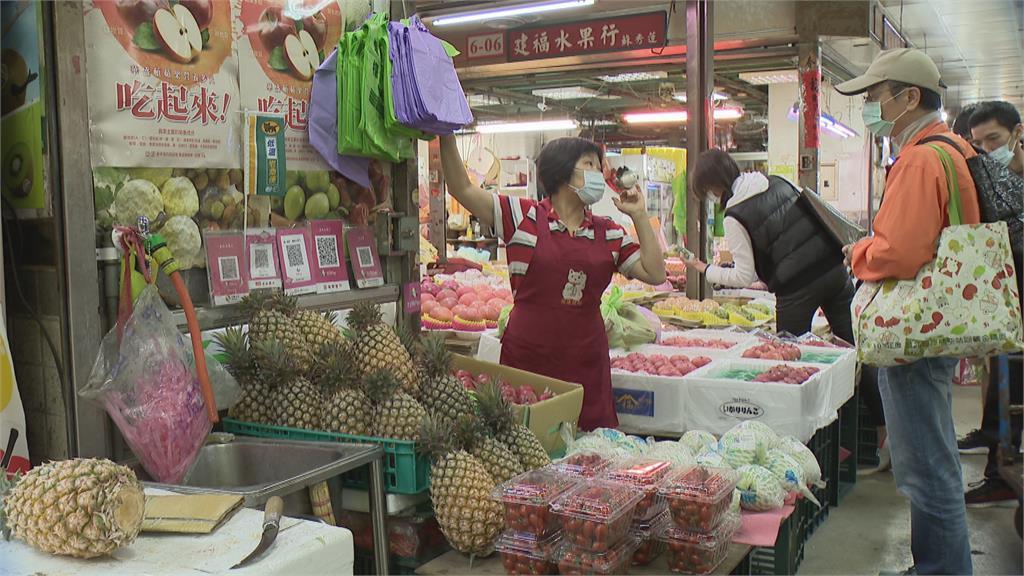 中國蠻橫禁鳳梨 農民擔心價格崩跌 自己的鳳梨自己挺 民眾熱買助農民