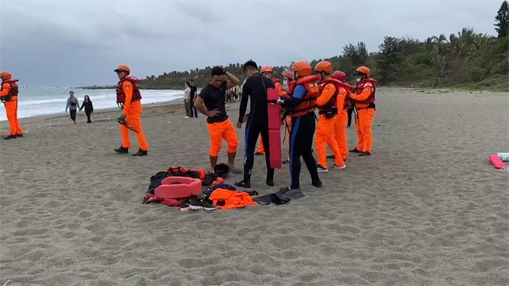 師帶10名學生至美麗灣戲水 17歲男同學遭浪捲
