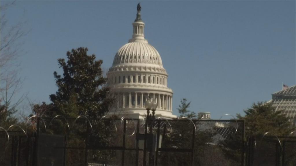 美國會又警戒 情資指出民兵團體恐攻擊國會大廈 維安大幅升級  眾院取消議程