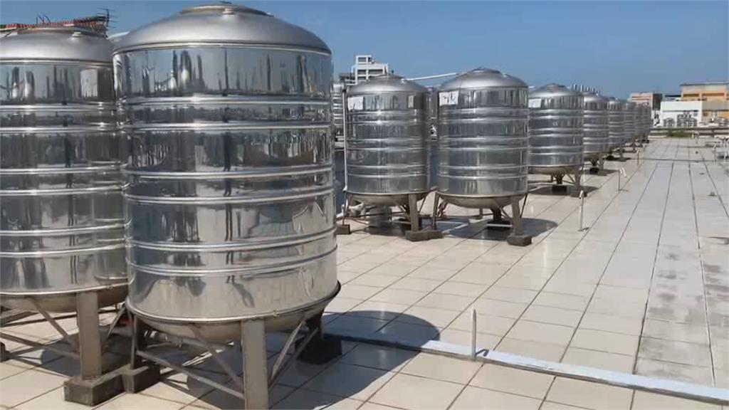 自來水混濁參雜汽油味 水公司:沖洗管線所致