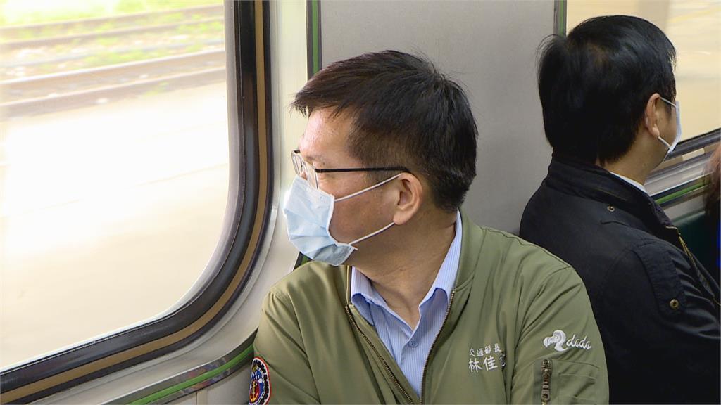 太魯閣號事故路段今晨通車 林佳龍搭首班車:心中如釋重負
