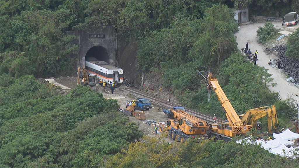 快新聞/太魯閣號事故地點設紀念碑? 饒慶鈴:不影響鐵路可考慮