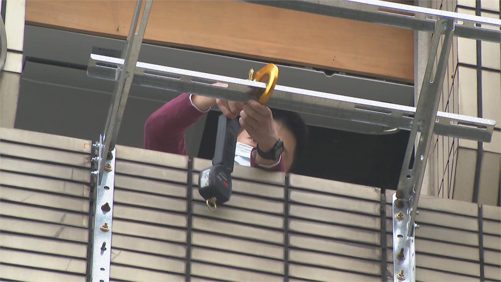 五樓外牆安裝室外機 冷氣工不慎墜樓身亡