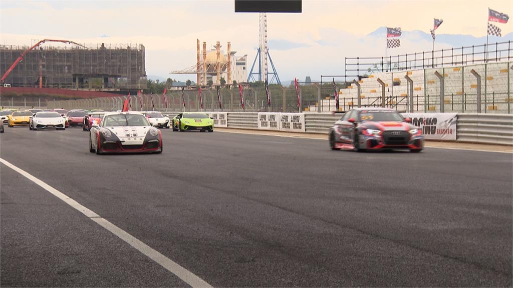 麗寶賽車場專業賽道 民視團隊感受競速快感