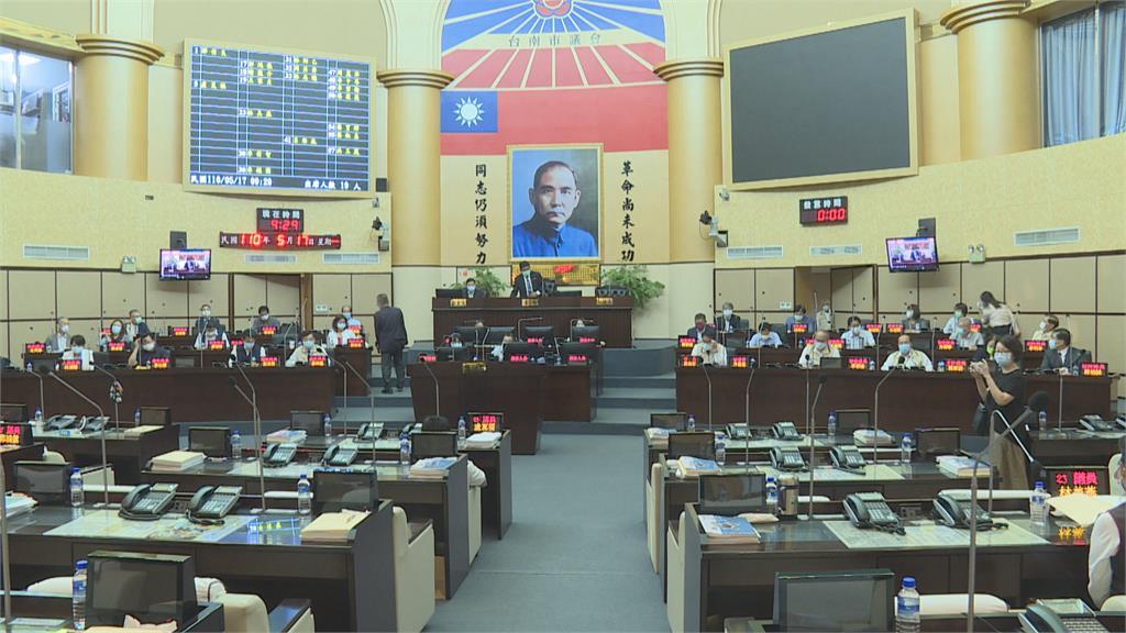 嘉縣市議會照常質詢 黨團協商後仍決定延會