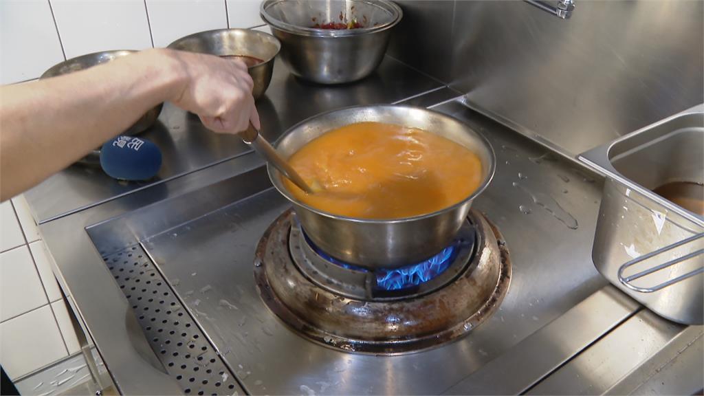 龍蝦湯泡飯鍋 彈牙蝦肉涮一下鮮味入口