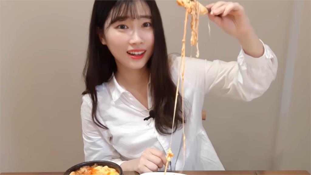 韓正妹嗑4樣超大份量家鄉菜 好吃停不下來樂喊:在中國吃不到