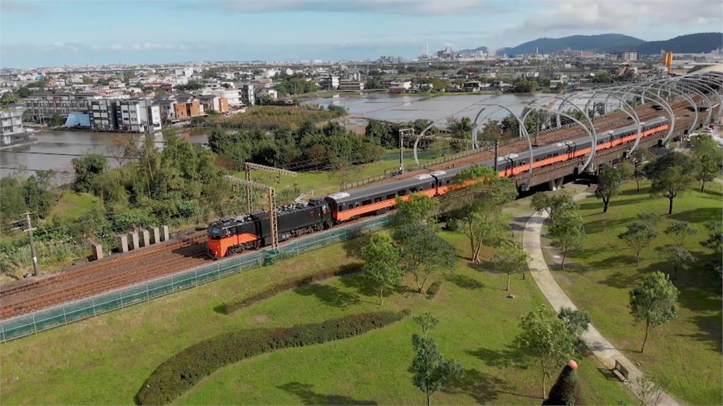 觀光見曙光 台鐵「鳴日號」邀林隆璇上列車開唱