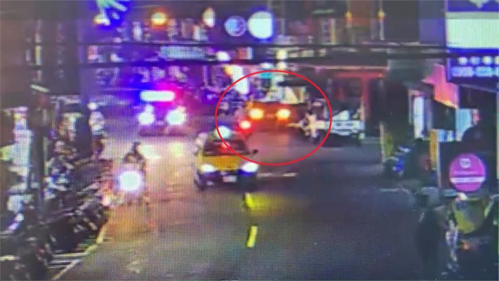 毒蟲開車載友懸掛假車牌 車內查獲槍與子彈
