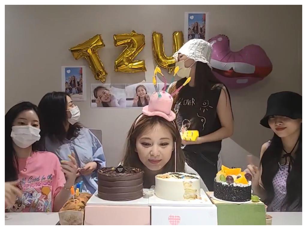 周子瑜22歲生日直播!奶音甜蜜爆擊「我也愛你們」 撒嬌告白粉絲