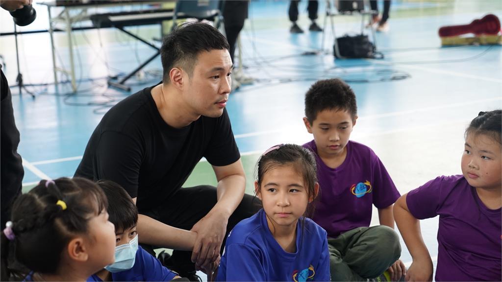 陳威全發起「偏鄉創作營」黃美珍、王大文助陣到偏鄉傳遞音樂