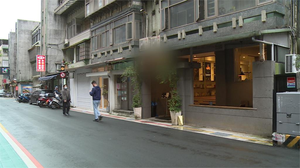 悚!咖啡廳談判破局 男走出門被當街追砍