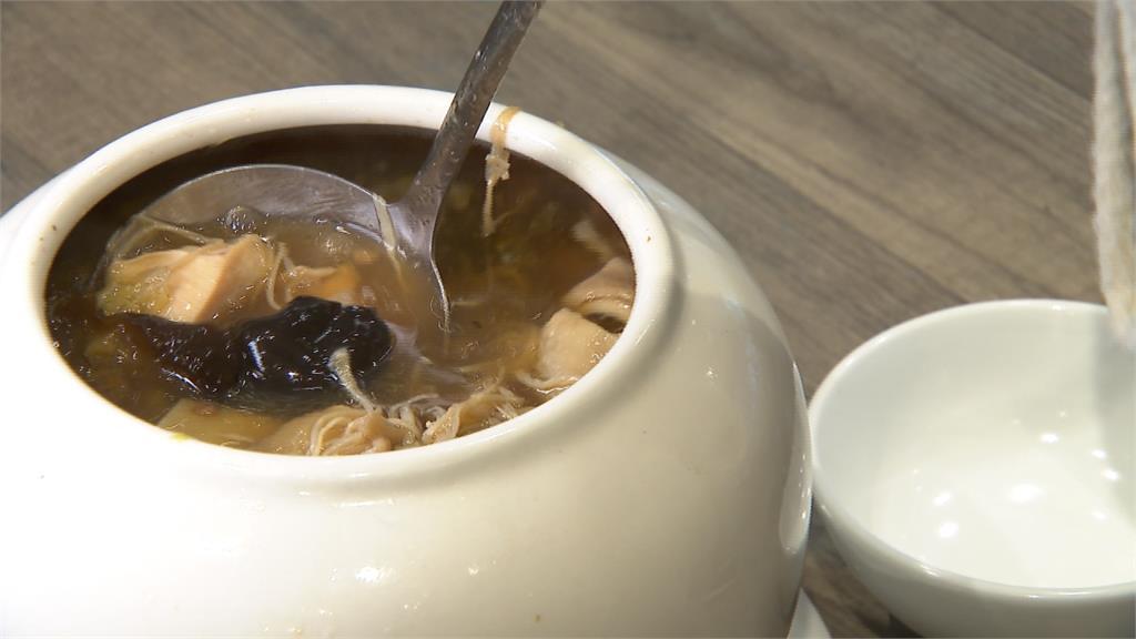 年夜飯招牌料理!「刈菜雞」清蒸鮮甜古早味