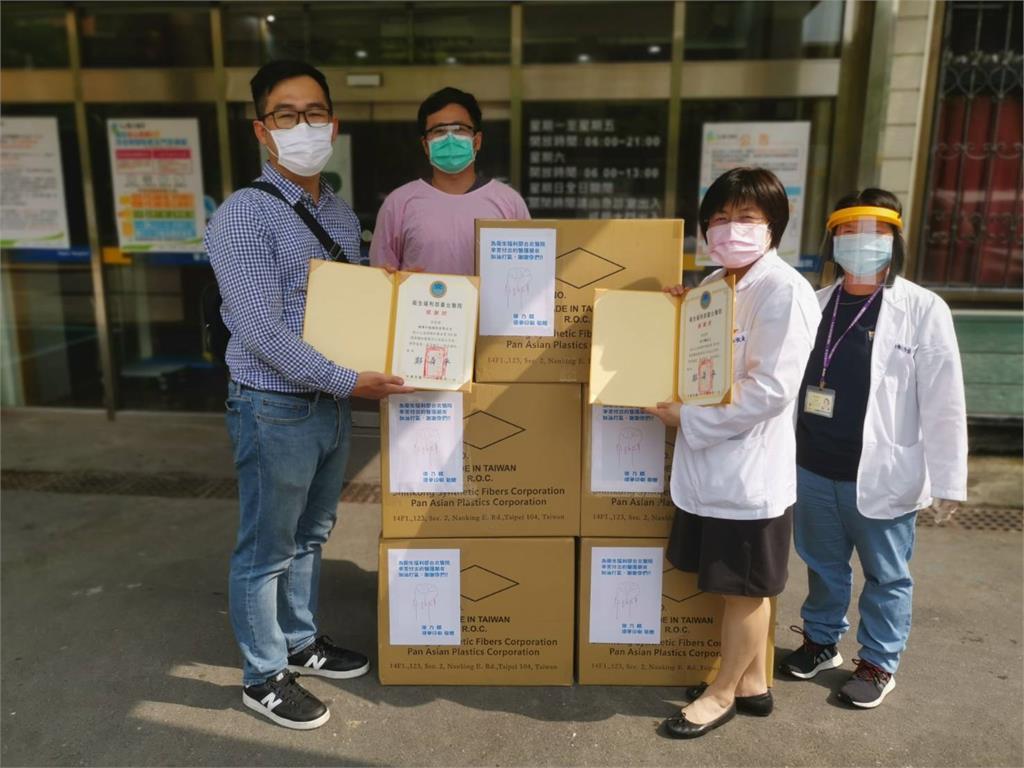 徐乃麟送暖挺醫護!捐1千個防護面罩打氣 親錄影片喊加油