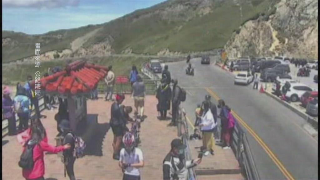 市區禁止10人戶外群聚 近郊丘陵仍有爬山人潮