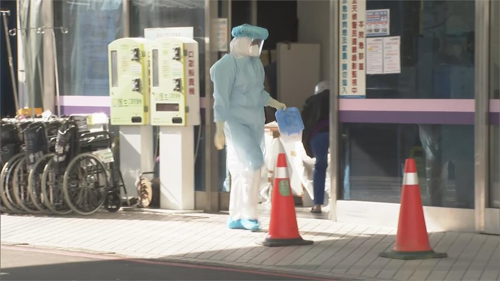 部桃首設「前進指揮所」 病患分批轉院大消毒