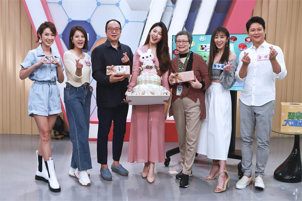 《醫學大聯盟》迎接女神白家綺回歸!全台灣藝人「影視生」三棲表率