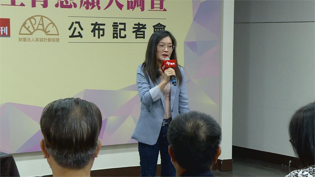 台灣生育率年年降 專家建議發「牛奶金」到18歲