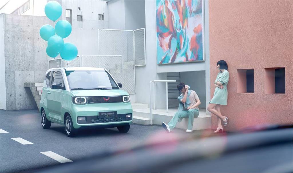 一台只要12萬!全球市佔與特斯拉抗衡 奪中國最熱銷電動車