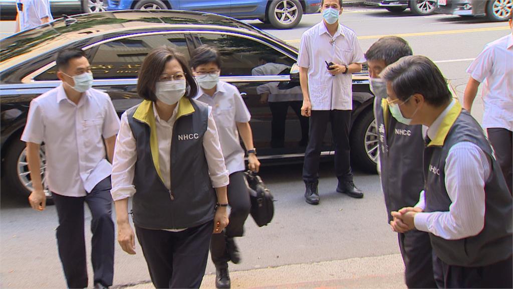 致電蔡英文抱怨 要求約束綠營  侯:大家團結抗疫