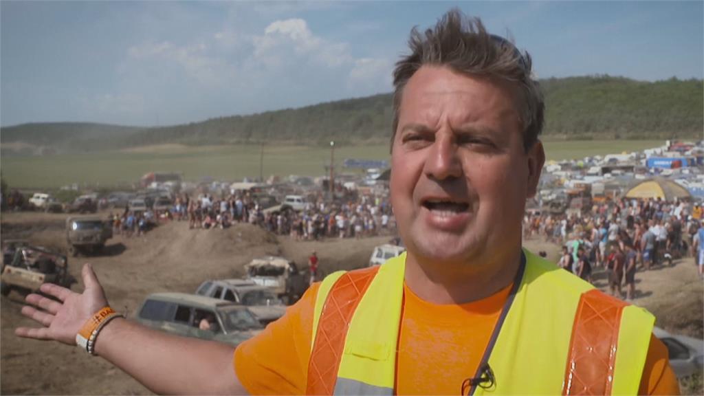 匈牙利防疫大解封...  兩千輛車聚集 鮑博德越野節規模刷新紀錄