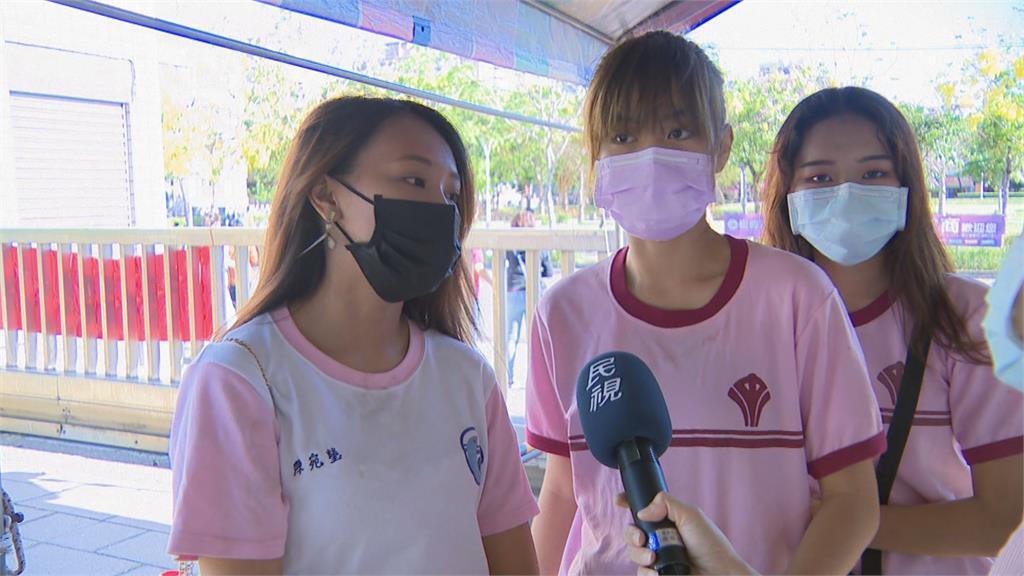 國中會考登場考生口罩戴好戴滿、消毒量體溫