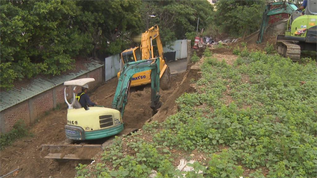 連日大雨擋土牆坍方 「差幾秒恐被埋」居民驚恐